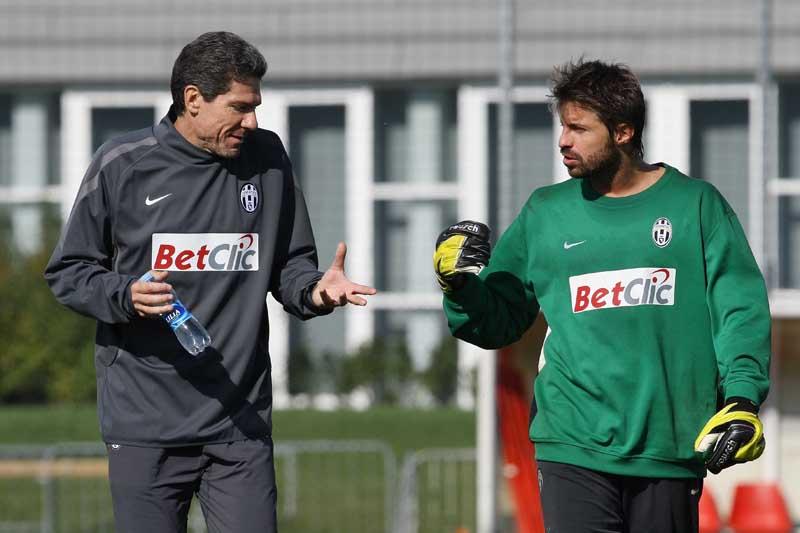 Marco Storari si allena a Vinovo con Claudio Filippi